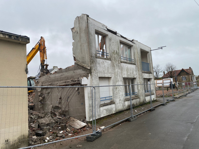 Démolition d'une ancienne école