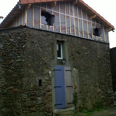 Surrélévation d'une maison individuelle, à Clisson